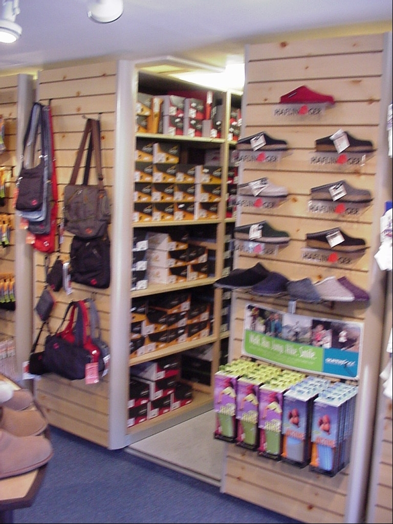 Retail Shoe Rack For Store